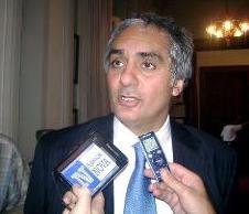 Scioli pidió la renuncia a Montoya tras su negativa