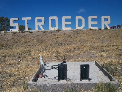El cartel de Stroeder sigue sin iluminación
