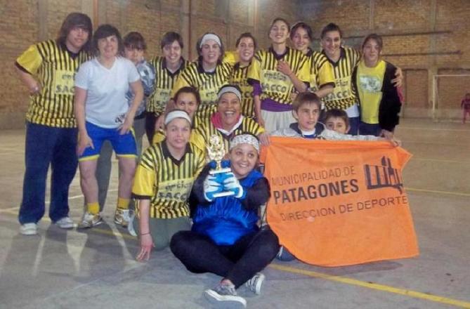 Fútbol Femenino de Stroeder triunfa en su segunda fecha.