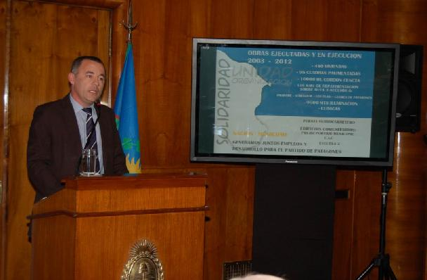 Garcés firmará convenio con la presidenta Cristina Fernández de Kirchner por Plan de Obras 2012-2013