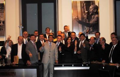 Garcés junto a la presidenta Cristina Fernández en la presentación de Plan de Obras para municipios
