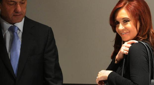 Cristina abre la cartera para subsidios e intendentes