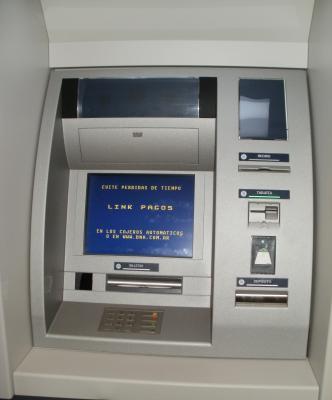 Banco Nación de Stroeder puso en funcionamiento un nuevo cajero automático