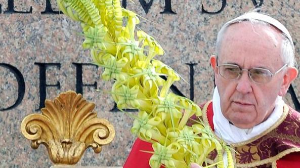 Un retrato del Papa, según las pistas que ofrece su firma