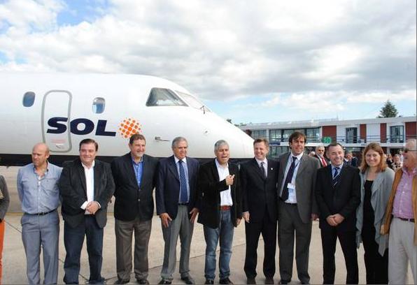 Garcés participó de la apertura de un nuevo servicio aéreo para la Comarca
