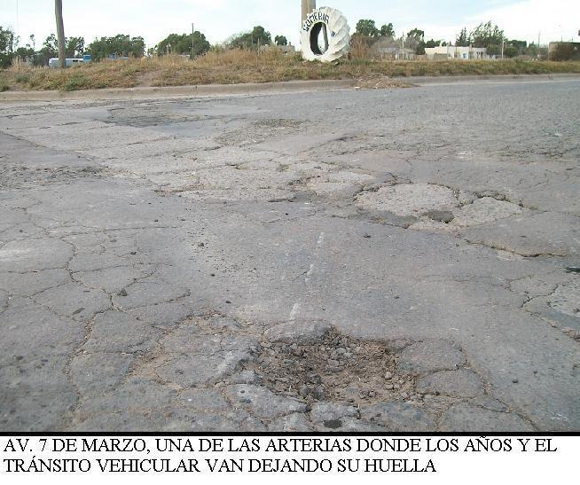 Trabajo de bacheo en Carmen de Patagones y Stroeder