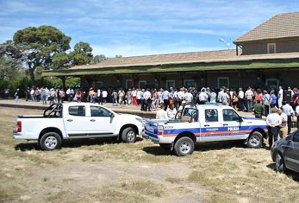 Entregaron móviles para la Policía y la Delegación de Stroeder