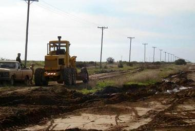 Reparan caminos rurales del Distrito de Patagones