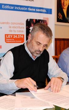 Curetti  gestionó la visita de la Unidad Móvil del Registro Nacional de las personas